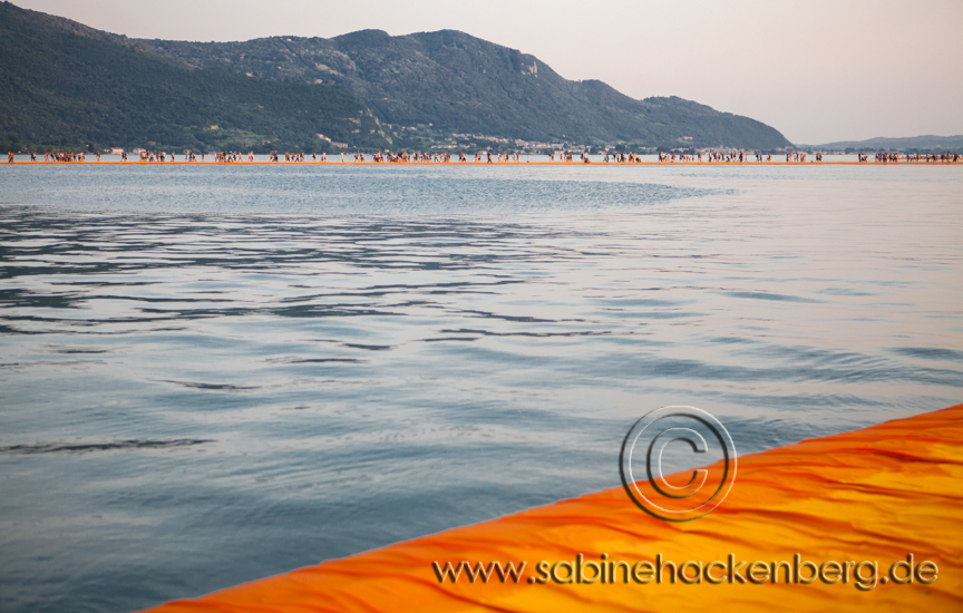 Floating Piers am ISEO See von Christo