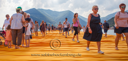 CHRISTO Floating Piers am ISEO See